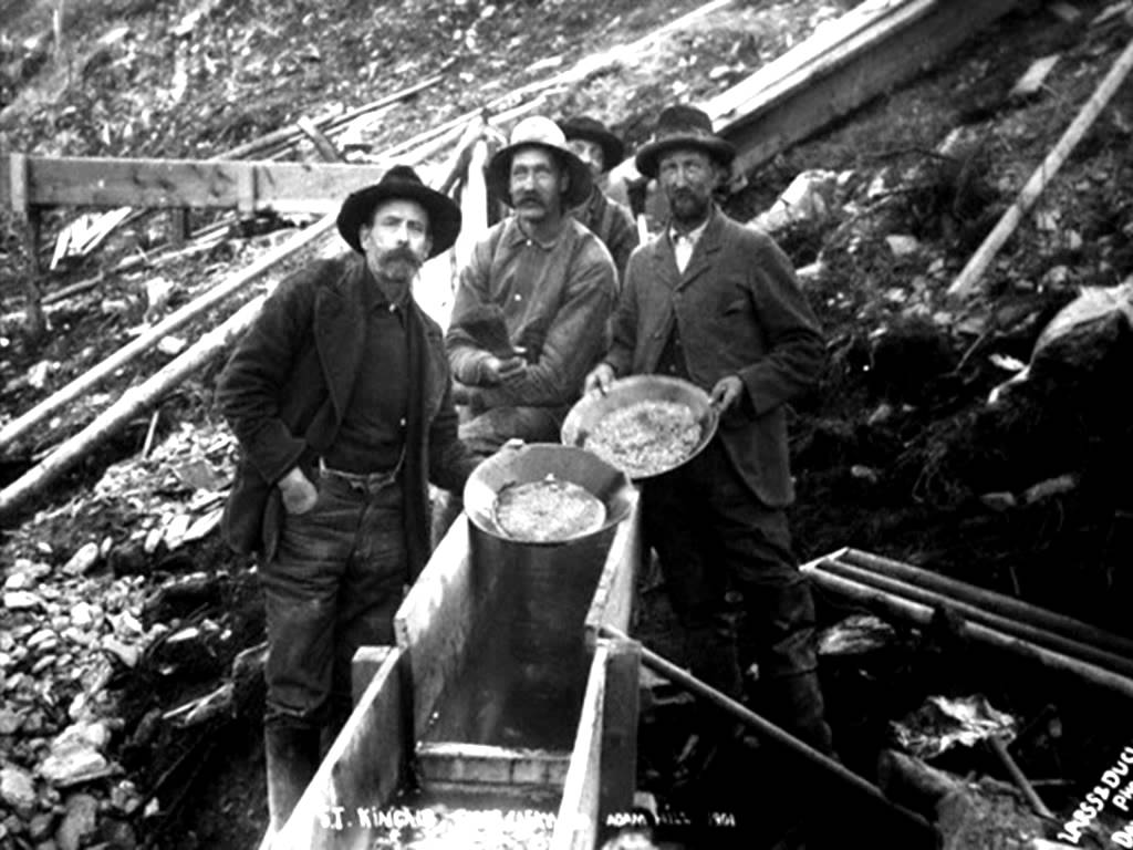 the gold rush There are several popular stories of the beginning of georgia's gold rush but in fact, no one is really certain who made the first discovery or when according to one anecdote, john witheroods found.